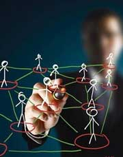 Основные различия в работе с качественными и количественными целями